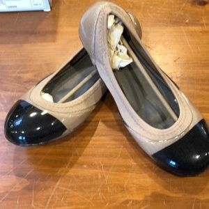 New.  Ja Vie Shoe
